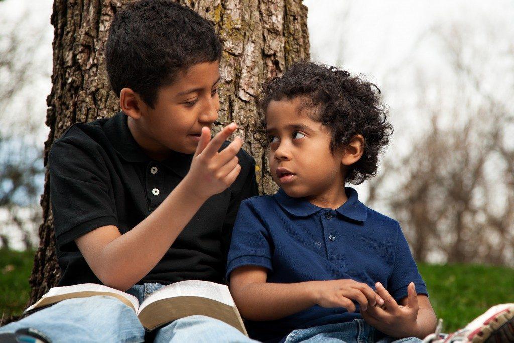 kids sharing information