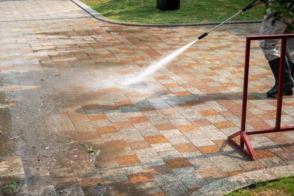 Cleaners for Outdoor Concrete Surfaces